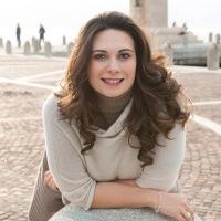 """Intervista al Soprano Marily Santoro: """"La Donna Verdiana è una donna volitiva, ribelle ma altrettanto nobile e rispettosa del senso del dovere"""""""